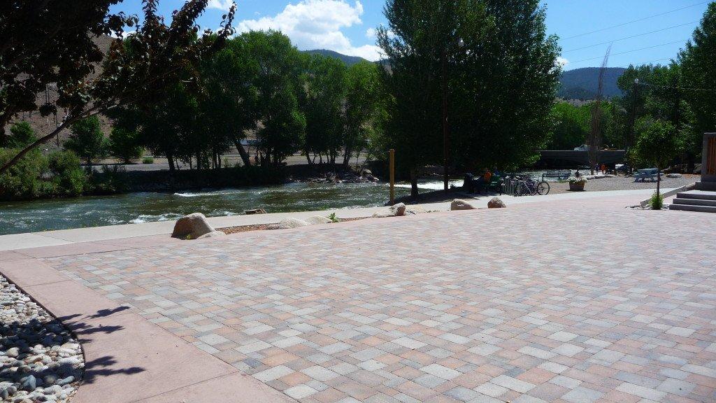empty-plaza